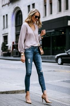 Fashion Jackson Street Style Blush Pink Cut Out Blouse AG Jeans Step Hem Distressed Skinny Ankle Jeans Sam Edelman Nude Pumps Chloe Drew Handbag Casual Work Outfits, Mode Outfits, Work Casual, Jeans Outfit For Work, Casual Clothes, Casual Jeans, Work Jeans, Casual Heels Outfit, Work Attire