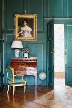 Chateau de Sully: Un Castello Rinascimentale Con Una Storia da Favola. Antique French Furniture, Antique House, Antique Interior, French Interior Design, Teal Walls, Cheap Home Decor, French Antiques, Foto E Video, Home Remodeling
