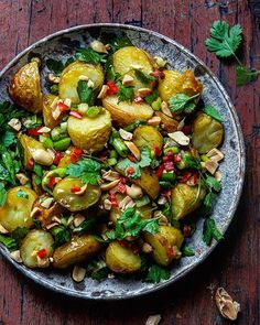 Todays meatless inspiration are these Thai flavored  potatoes. They are absolutely irrestible and…
