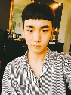 "Key Naver Update End of Paris Fashion Week ""It was SHINee Key, today. Bye!"""