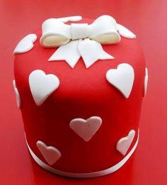 Resultado de imagem para bolo dia dos namorados com pasta americana