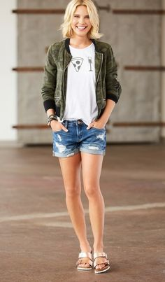 Treat Yourself Tank Chaser, Camo Bomber Jacket Sanctuary, Dress Down Party Denim Short Blanknyc, Rose Gold Arizona Sandal Birkenstock Gold Outfit, Simple Outfits, Summer Outfits, Cute Outfits, Camo Bomber Jacket, Birkenstock Outfit, Contemporary Fashion, Spring Summer Fashion, Spring Style