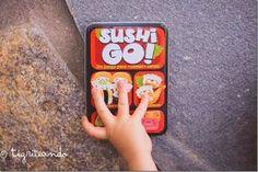 10 juegos de viaje para niños y adultos {Juego de tronas} - Tigriteando Start Up Business, Lunch Box, Phone Cases, Sushi, Kids, Montessori, Kids Card Games, Board Games For Kids, Toddler Travel