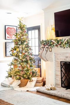 10 tips for mixing family heirlooms and antiques in with your new holiday decor