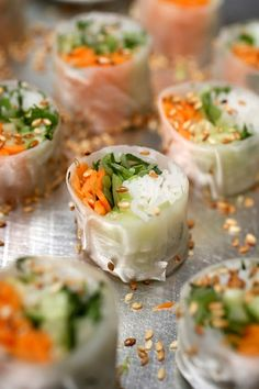 spring rolls with fresh veggies, spices and rice are amazing for a spring wedding or any vegetarian wedding, too - Weddingomania Asian Appetizers, Wedding Appetizers, Appetizer Recipes, Wedding Buffet Food, Wedding Reception Food, Wedding Foods, Hotel Wedding, Reception Ideas, Dream Wedding