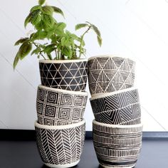 As soon as we found these handmade planters with graphic geometric designs and DRAINAGE we knew you had to have. Pottery Painting Designs, Pottery Designs, Diy Planters, Ceramic Planters, Flower Pot Design, Painted Plant Pots, Paperclay, Sgraffito, Geometric Designs