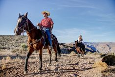 Saddle up for an exciting and breathtakingly beautiful adventure by horseback riding along the rim of the Grand Canyon. Grand Canyon Things To Do, Grand Canyon West Rim, Grand Canyon Vacation, Las Vegas With Kids, Las Vegas Attractions, Sky Walk, Ride Along, Horseback Riding, Natural Wonders
