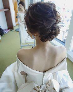 いいね!3,622件、コメント5件 ― MAISON de RIRE officialさん(@maison.de.rire)のInstagramアカウント: 「本日はアンダーズ東京でお仕事でした☺️ 本当に大人なお二人で素敵でした💐 ニュアンスシニヨンに🙌🏻✨」 Korean Wedding Hair, Short Bridal Hair, Wedding Images, Wedding Styles, I Like Your Hair, Hair Arrange, Wedding Hair Inspiration, Bride Hairstyles, Wedding Makeup