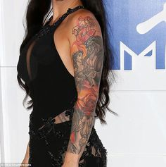 Still needs more color: The Worst Cooks in America champ debuted her nearly-finished tattooed sleeve featuring Disney princes and princesses Disney Sleeve Tattoos, Leg Sleeve Tattoo, Sleeve Tattoos For Women, Disney Tattoos, Body Art Tattoos, Small Tattoos, Beauty And The Beast Tattoo, Prince Tattoos, Doodle Tattoo