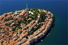 Discover the picturesque town of Rovinj, its sights, attractions, landmarks, beaches and culture. Tourist Board, Boat Rental, Trieste, Dubrovnik, Holiday Destinations, Slovenia, Holiday Travel, Old Town, Cool Places To Visit