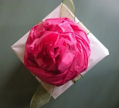 Great tutorial and ideas on how to make and use tissue paper roses by Icing Designs-- Imagining all the neat dollar store tissue paper I have seen. Tissue Paper Roses, Tissue Flowers, Paper Rosettes, Diy Flowers, Fabric Flowers, Blooming Flowers, Diy Party Decorations, Flower Decorations, Diy Paper