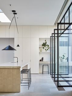 Contemporary kitchen design with steel doors stained cabinets and modern lighting American Kitchen Design, Contemporary Kitchen Design, Australian Interior Design, Interior Design Awards, Kitchen Colors, Kitchen Layout, Diy Kitchen, Kitchen Ideas, Kitchen Counters