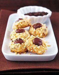 Spritzgebäck mit Schokolade, Brownie-Sterne und Chai-Tee-Plätzchen - schnelle Rezepte für Weihnachtsplätzchen.