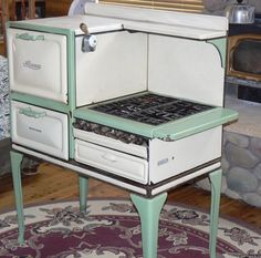 Love this stove! Actually used one (grey and white Quickmeal) in my kitchen from 1987-1990, broke my heart to leave it when we sold our house.
