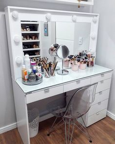 Beauty Room Decor, Makeup Room Decor, Room Ideas Bedroom, Bedroom Decor, Glamour Decor, Vanity Room, Stylish Bedroom, Room Interior Design, Aesthetic Rooms