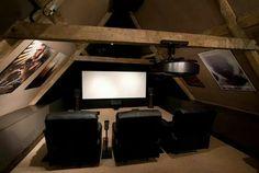 Salle de projection dans le grenier... ...