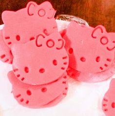 hello kitty candy pastillas Pasta, Hello Kitty, Candy, Desserts, Food, Tailgate Desserts, Deserts, Essen, Postres