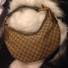 Authentic Gucci bamboo hobo handbag! [$600 local pick up] This is a pre-owned Authentic Gucci bamboo hobo handbag! I've carried this no more than 7 times. I can provide more pictures please ask!! Gucci Bags Hobos