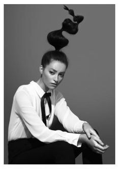 Anthony Nasr ... kind of reminds me of dr seuss (in a good way) #avantgarde #hair