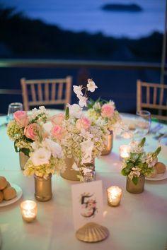 Vasen als Tischdeko wie diese können Sie ganz einfach selbst gestalten