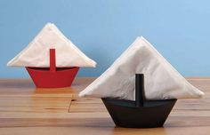 Nautical Serviette Displays - Let the Sailboat Napkin Holders Take You on a Culinary Journey (GALLERY)