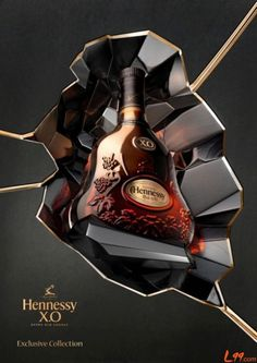 Enjoy the unique taste of the cognac X.O created by Maurice Hennessy in 1870 for his circle of friends. It introduced a new cognac drinking style to the world. Skyy Vodka, Vodka Cocktails, Alcoholic Drinks, Absolut Vodka, Alcohol Bottles, Liquor Bottles, Drink Bottles, Bebidas Jack Daniels, Hennessy Xo