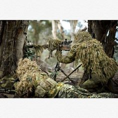 Australian Army soldiers from the 2nd Commando Regiment, conducting a sniper stalk at Majura Training Area, Canberra. #Australia #Australian #GlobalCombat ➖➖➖➖➖➖➖➖➖➖➖ Partners @world_of_armies @international_aircraft✈️ @canadian_military_ @australian_nz_Military_Pics @Spetsnaz.Alfa @military_forces_of_world @canadian.forces