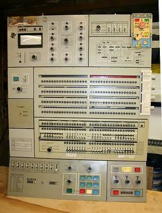 Vintage ibm 360 mainframe operator control console - pick up only Consoles, Computer Set, Recording Equipment, Recorder Music, Old Computers, Typewriters, Vacuum Tube, Computer Technology, Bunker