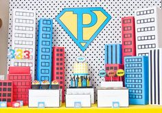 Comic Book Super Heroes Boys Party Ideas all here. Free printables, costume tutorials, decoration ideas + much more. Anniversaire Wonder Woman, Party Printables, Free Printables, 3rd Birthday, Birthday Parties, Wonder Woman Party, Costume Tutorial, Freebies, Paris Design