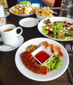 Want to know where to eat in Bar Harbor , Maine? Let me share with you the best places that I found while visiting there! Bar Harbor Me, Seafood Place, Best Lobster Roll, Food To Go, Homemade Sauce, Best Places To Eat, Foodie Travel, Food Preparation, Quick Meals