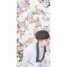 Couple Avatar, Couple Ulzzang, Korean Couple, 2ne1, Couple Shoot, Girls In Love, Phone Backgrounds, Girl Quotes, Floral Tie