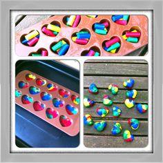 Omgesmolten wasco krijtjes....in de vorm van hartjes. Leuk voor een kinderverjaardag