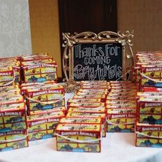 Wedding Favor: animal crackers and use the sign: Thanks for coming Party Animals. Animal Crackers, Animal Cracker Favors, Kids Table Wedding, Wedding With Kids, Wedding Ideas, Wedding Favors, Wedding Kids Tables, Free Wedding, Wedding Reception
