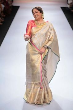 The handwoven silk saree worn by Kiron Kher is a rare piece of work. Lovingly put together to make her person as radiant and perfect as the saree, she is wearing. We at Shatika love to bestow upon women –a radiance most befitting them. Ethnic Sarees, Indian Sarees, Silk Sarees, Bridal Silk Saree, Saree Wedding, Indian Attire, Indian Ethnic Wear, Ethnic Style, Indian Dresses