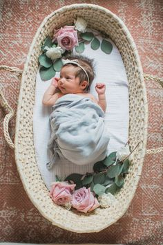 Having baby sleep problems? Are you making one of these 20 mistakes that many parents do that can actually ruin their baby's sleep? It's all too easy to make a parenting mistake. Third Baby, First Baby, Newborn Session, Newborn Photos, Newborn Posing, Foto Baby, After Baby, Pregnant Mom, First Time Moms