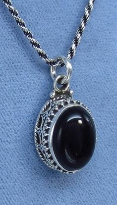 Small Black Onyx Antique Victorian Boho Style Necklace - Sterling Silver - P201258