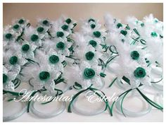 Souvenirs De 15 Años Favors, Projects To Try, How To Take Photos, Vestidos, Glass Flowers, Bias Tape, Souvenirs, Meet, Presents