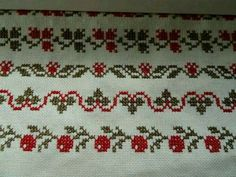 This Pin was discovered by jel Xmas Cross Stitch, Cross Stitch Borders, Cross Stitch Flowers, Cross Stitch Charts, Cross Stitch Designs, Cross Stitching, Cross Stitch Embroidery, Hand Embroidery, Cross Stitch Patterns