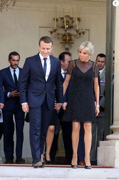 Les 500 Meilleures Images De Emmanuel Et Brigitte Macron En 2020 Emmanuel Macron Brigitte Macron Beaux Couples