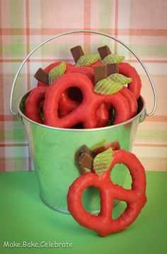 MBC: Back to School Treat: Apple Pretzels