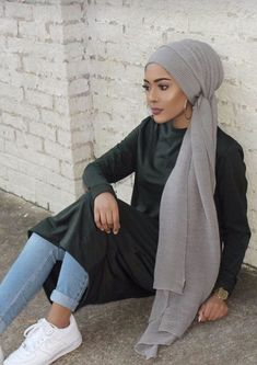 Turban hijab 2017 fashion look for modest ladies – girls hijab style Turban Hijab, Turban Mode, Hijab Outfit, Girl Hijab, Islamic Fashion, Muslim Fashion, Modest Fashion, Hijab Elegante, Hijab Chic
