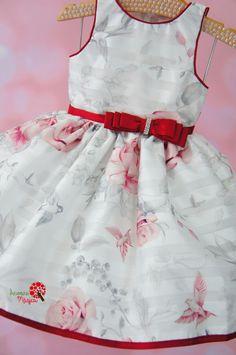 Vestido de Festa Infantil Jardim Vinho Petit Cherie Baby Boy Dress, Baby Girl Pajamas, Toddler Dress, Girls Formal Dresses, Dresses Kids Girl, Kids Outfits, Baby Dress Design, Baby Boutique Clothing, Baby Dress Patterns