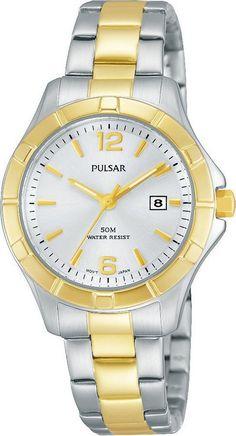 Pulsar Dameshorloge Bicolor & Beschermde kroon PH7382X1. Een in twee kleuren uitgevoerd chique horloge. Goud- en zilverkleurige band en kast. Het horloge is tot 50 meter waterdicht en de Kroon is door de vorm van de kast beschermd tegen stoten van buitenaf. De wijzers hebben een fluorescerende laag en lichten op in het donker als het horloge kort daarvoor aan het licht is blootgesteld.