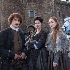 Behind-the-scenes: Sam Heughan as Jamie Fraser, Caitrionia Balfe as Claire Randall, and Lotte Verbeek as Geillis Duncan | Outlander on Starz