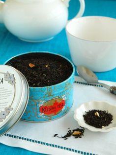 パッケージの色がキレイなKusmi Prince Vladimir Tea