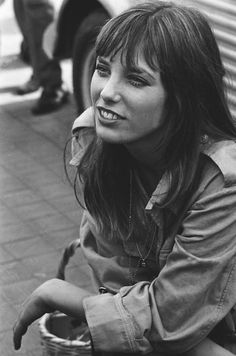 Would you ever try to rock the Jane Birkin bangs?