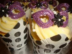 Mask cup cakes