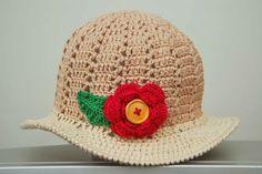 Este chapéuzinho de linha em crochê, permite milhares de variações, sem alterar o modo de fazer.               ACHEI NUM SITE RUSSO U...