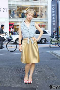 Coi from Bubbles Harajuku w/ Vintage Tied Top, Pleated Skirt & Flowers (via Tokyo Fashion News)