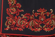 Øst-Telemarkbunad rankemønster Holy Quran, Alexander Mcqueen Scarf, Needlework, Textiles, Hand Embroidery, Costume, Hipster Stuff, Embroidery, Dressmaking